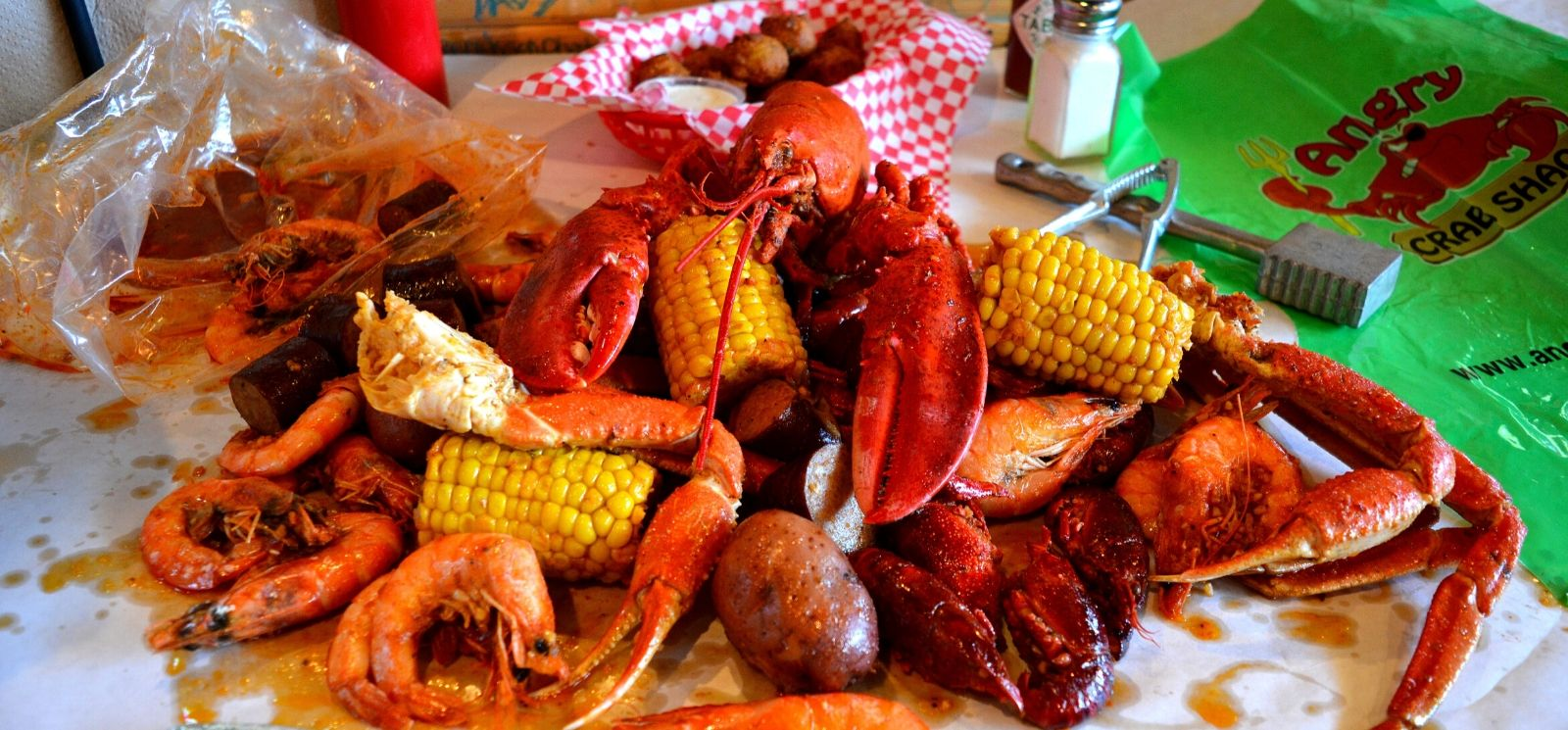 How High Quality Seafood Sets Angry Crab Shack Apart from Other Restaurant Franchises